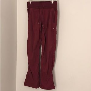 Lululemon brick red unlined studio pant sz6. 64314